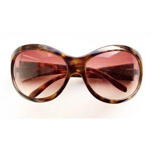 Oversized tortoise shell Steve Madden sunglasses